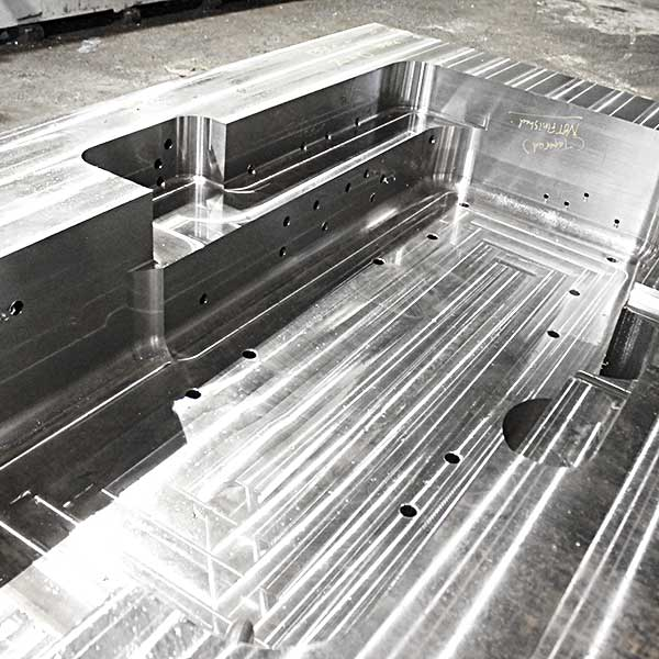 模具產業深孔加工